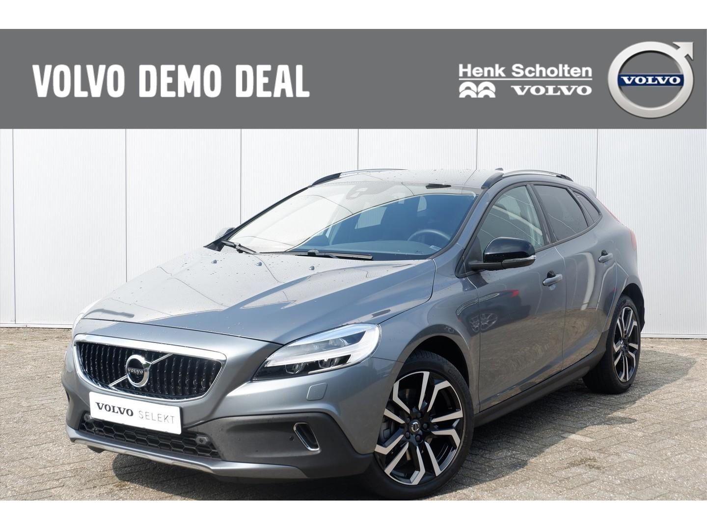 Volvo V40 cross country D3 150pk aut6 nordic+ park. camera
