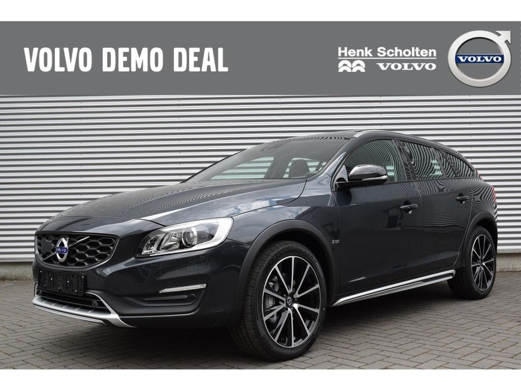 Volvo V60 cross country D4 5 cilinder awd polar+ luxury schuifdak