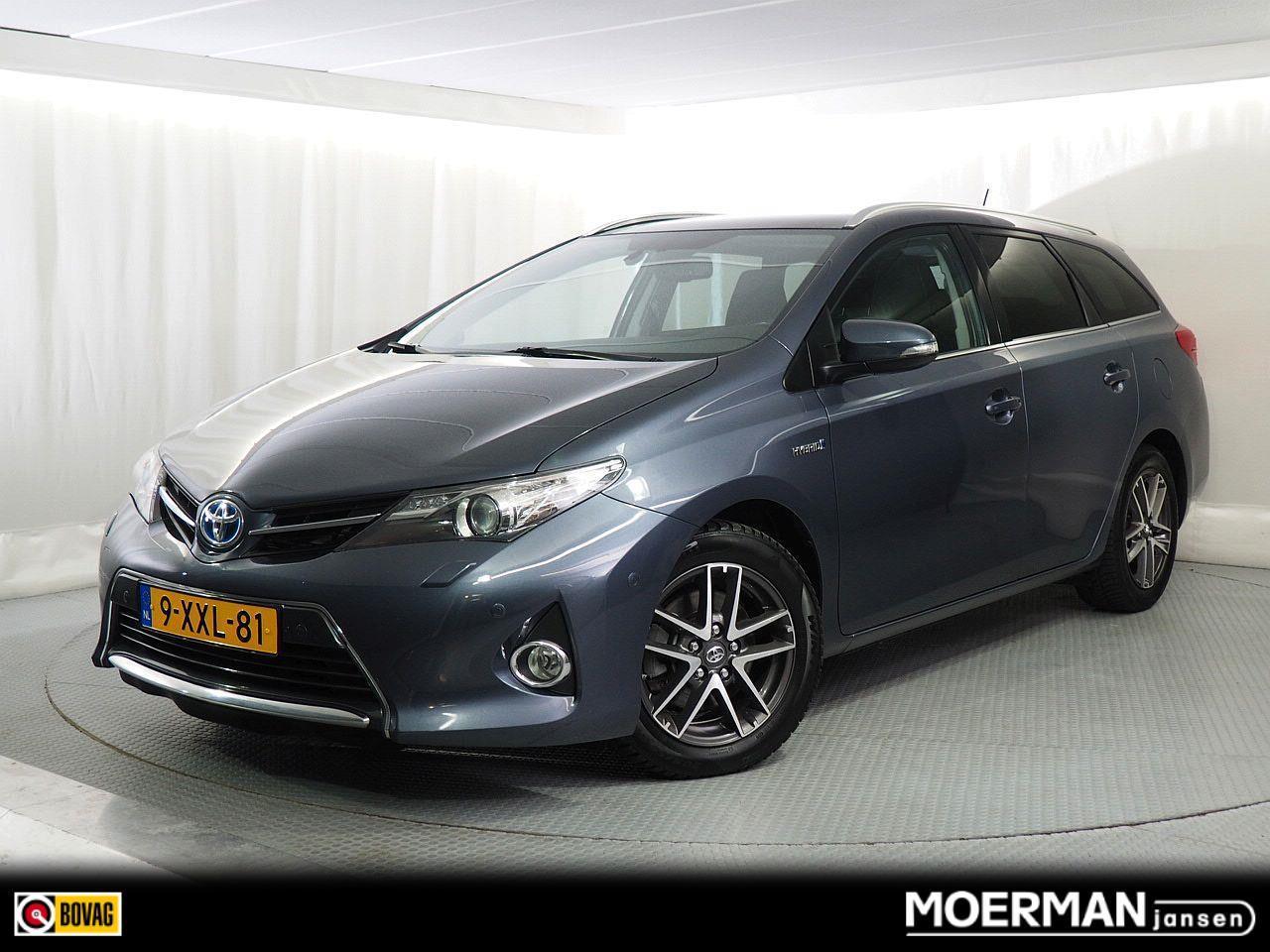 Toyota Auris Touring sports 1.8 hybrid lease / panoramadak / parkeersensoren v+a / navigatie /  1e eigenaar /  dealer auto