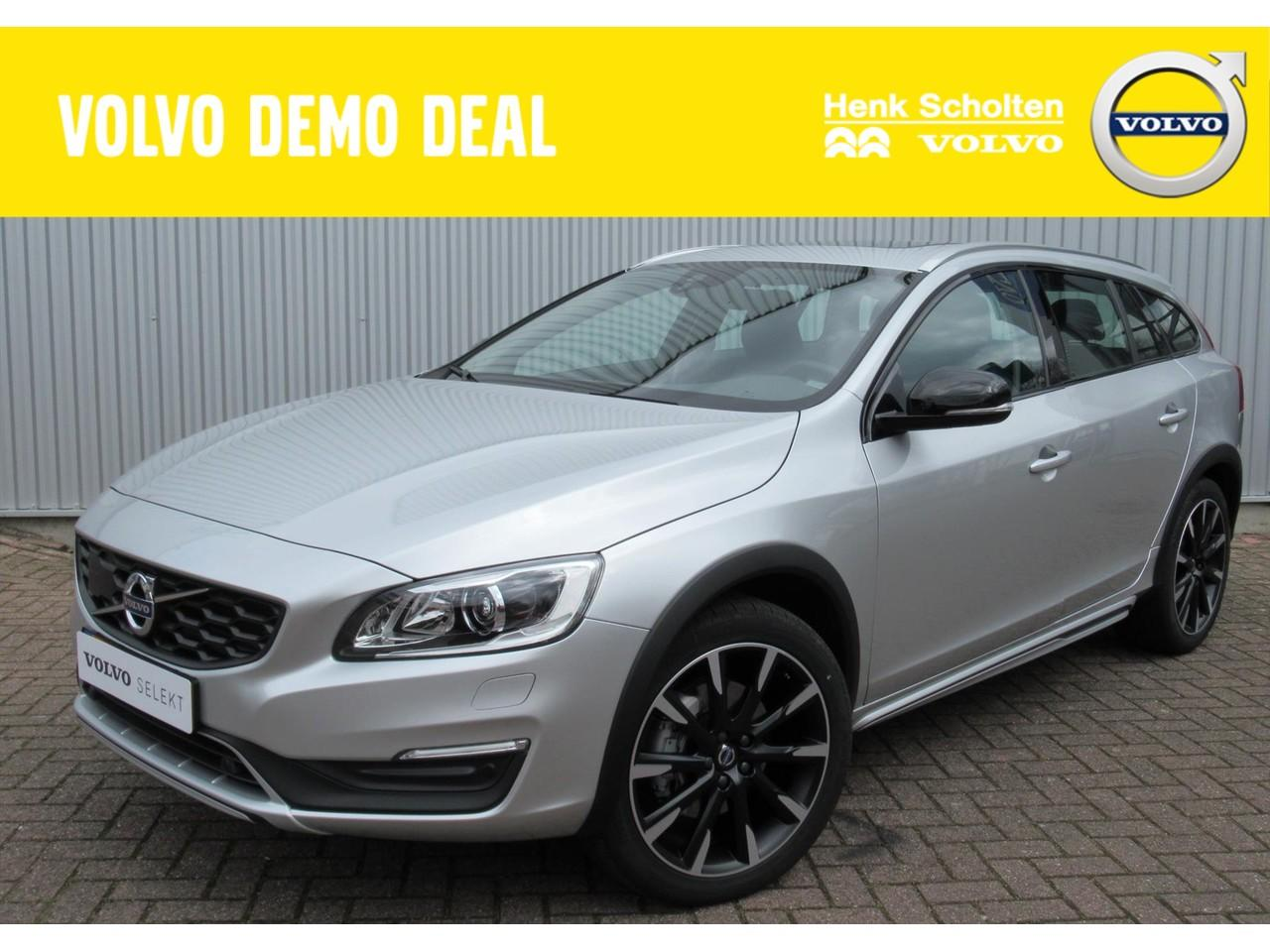 Volvo V60 cross country Cross country d3 polar+ automaat 150pk luxury
