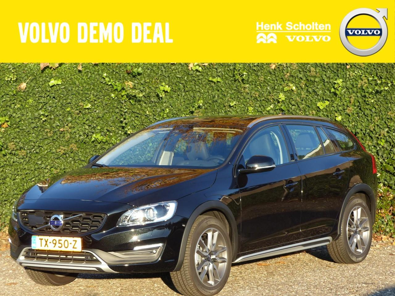 Volvo V60 cross country T5 245pk gt polar+ luxury, comfort line, res. wiel