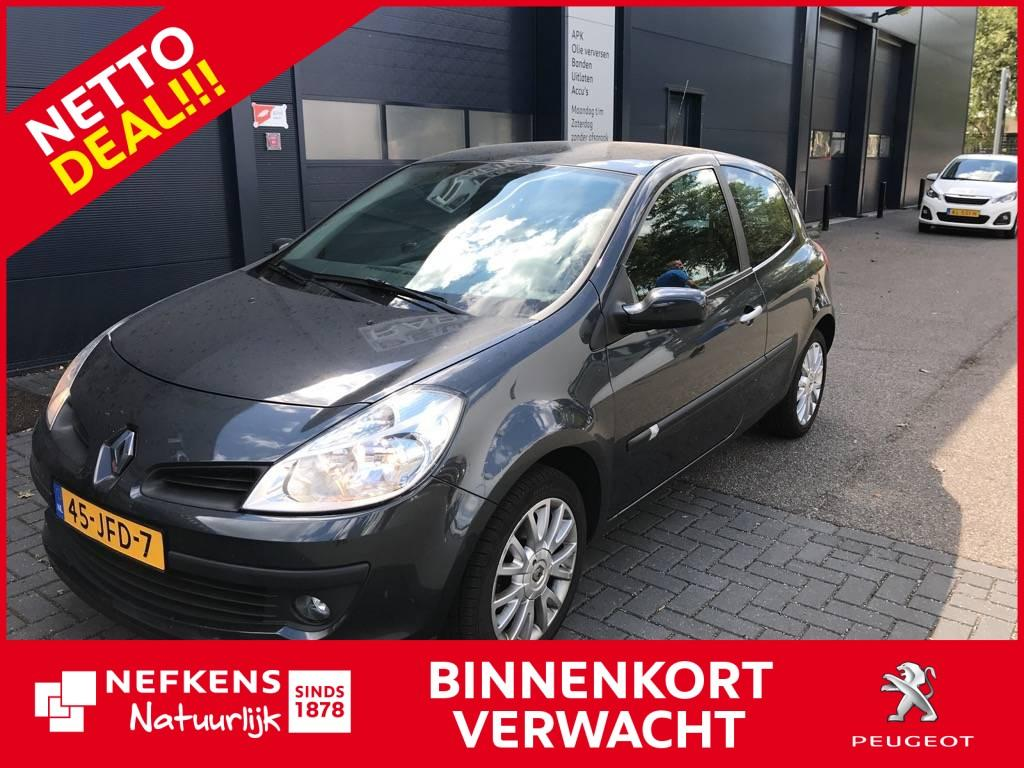 Renault Clio 1.2 tce 100pk collection * airco * lage kilometerstand! *
