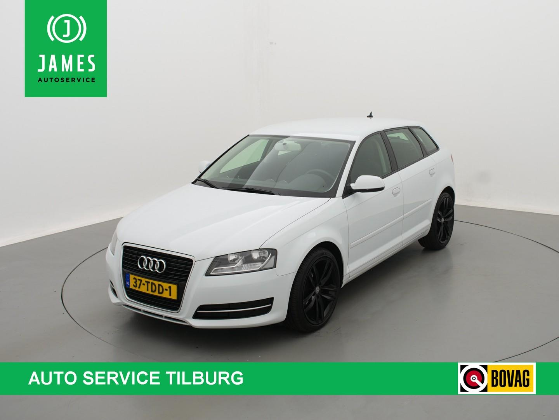 "Audi A3 Sportback 1.6 tdi attraction business edition clima navi 17""lmv"