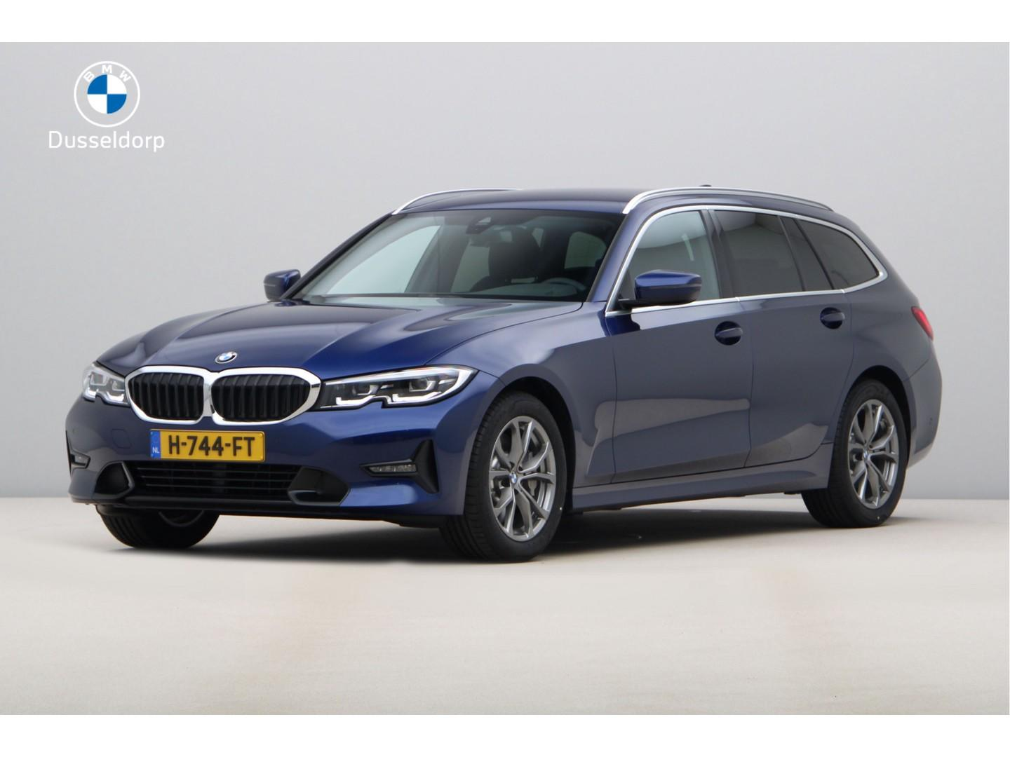 Bmw 3 serie Touring 330i introduction high executive