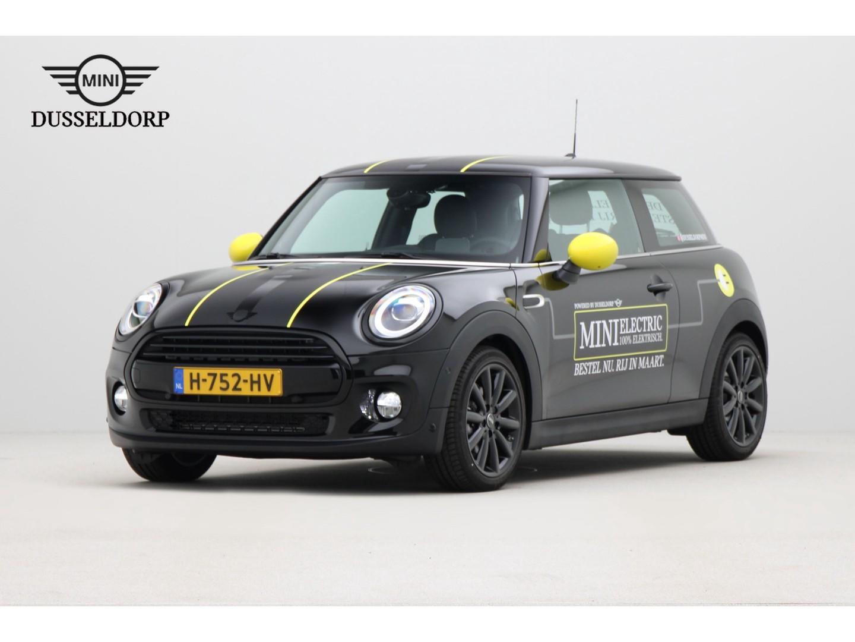 Mini 3-deurs Cooper chili serious business aut. nieuwprijs € 36.600,-