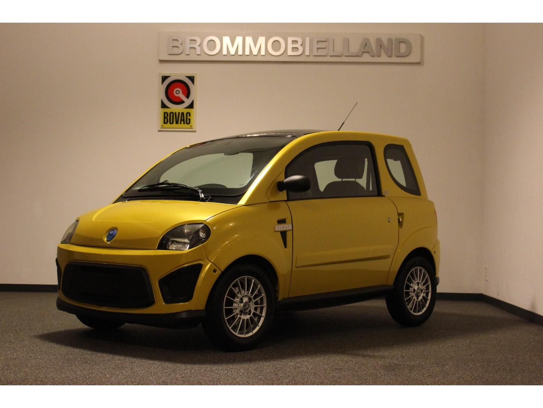 Microcar  Due gt 11-2013 in nieuwstaat brommobiel 45km auto