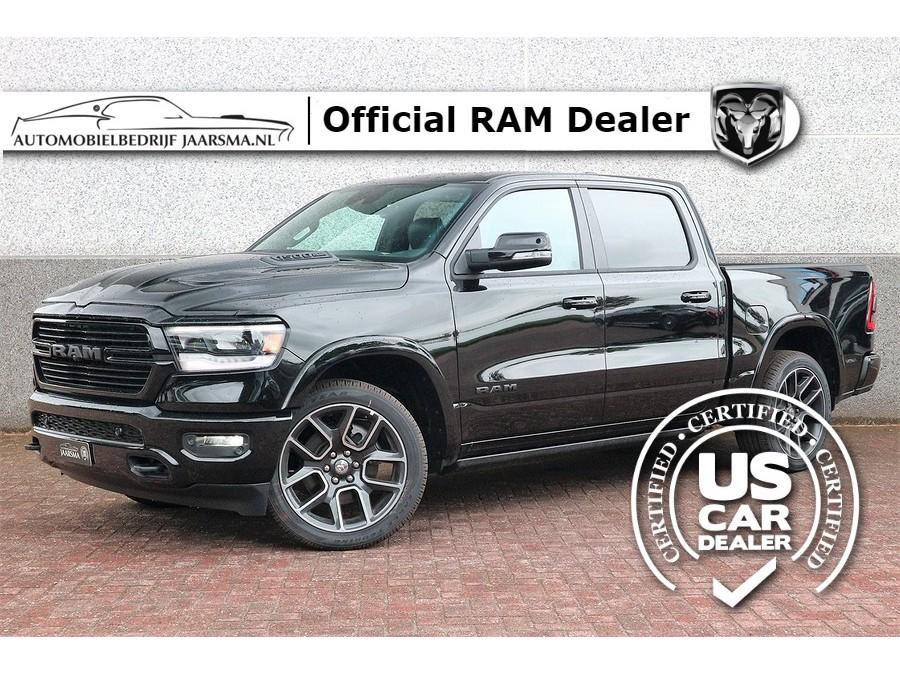 Dodge Ram 1500 5.7l v8 laramie black pack