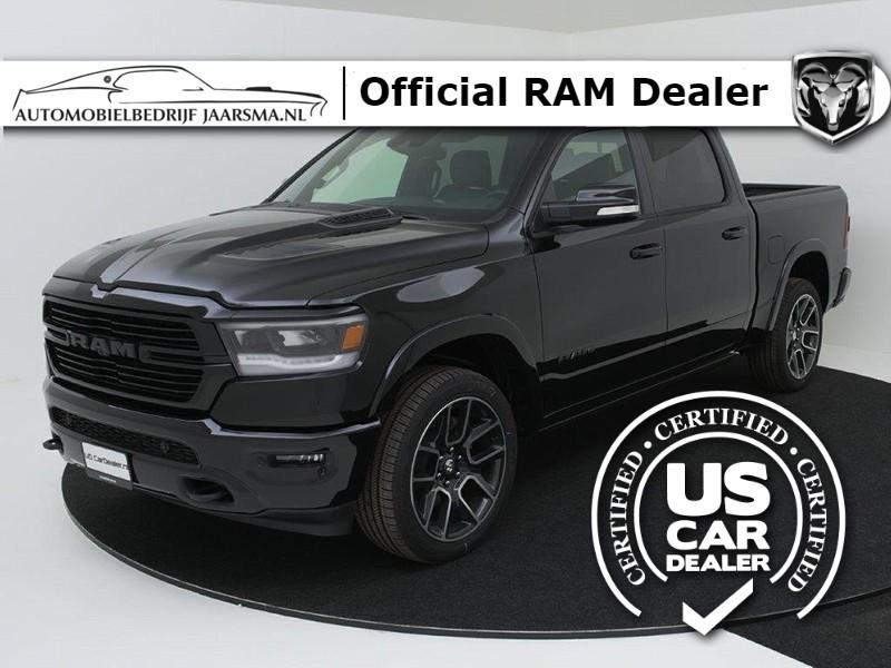 Dodge Ram 1500 laramie black pack