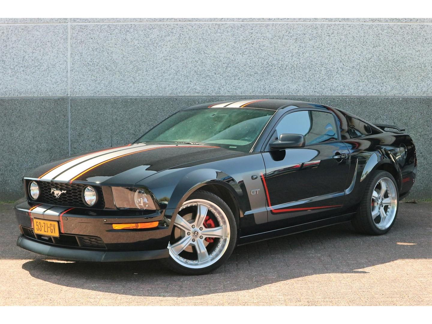 Ford Mustang 4.6 v8 gt premium coupe