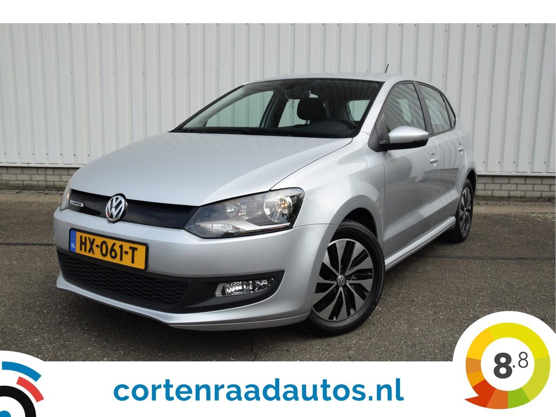 Volkswagen Polo Edition automaat, dsg, navigatie. nette auto met zeer lage kilometerstand, nieuwstaat  !!!!