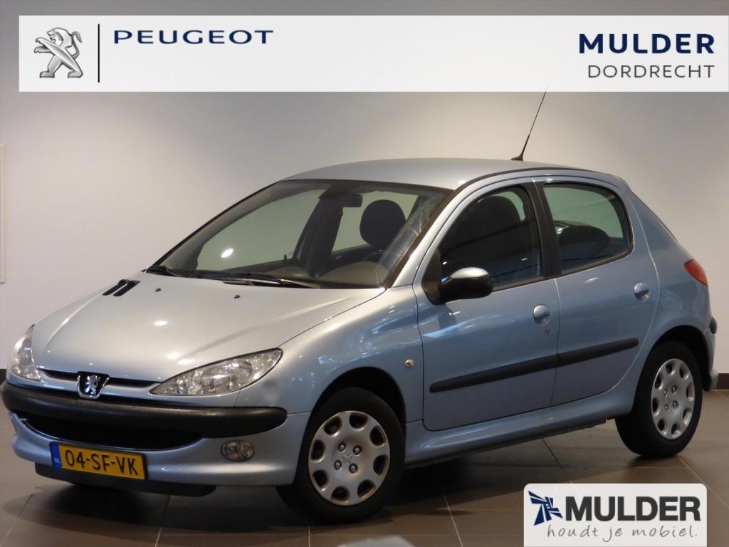 Peugeot 206 Gentry 1.4 16v 5d