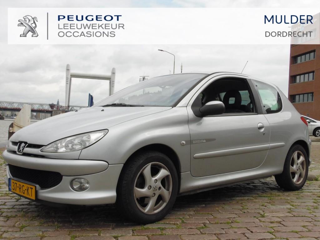 Peugeot 206 Quiksilver 1.4 16v 90 pk - airco