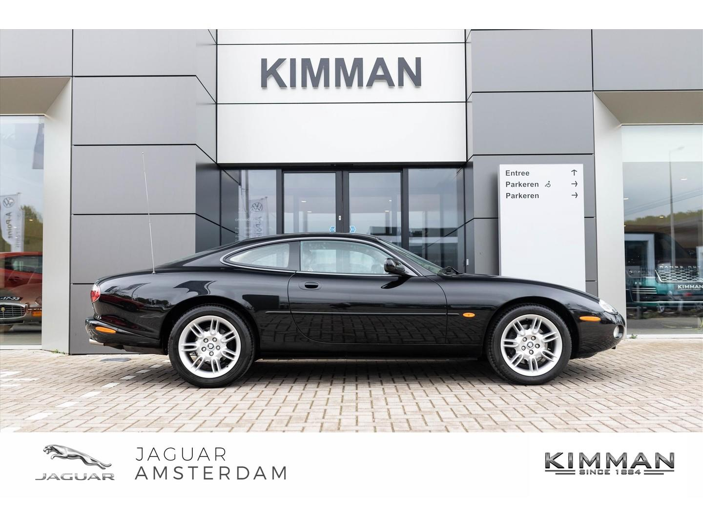 Jaguar Xk8 4.0 v8 coupe * collectors item *