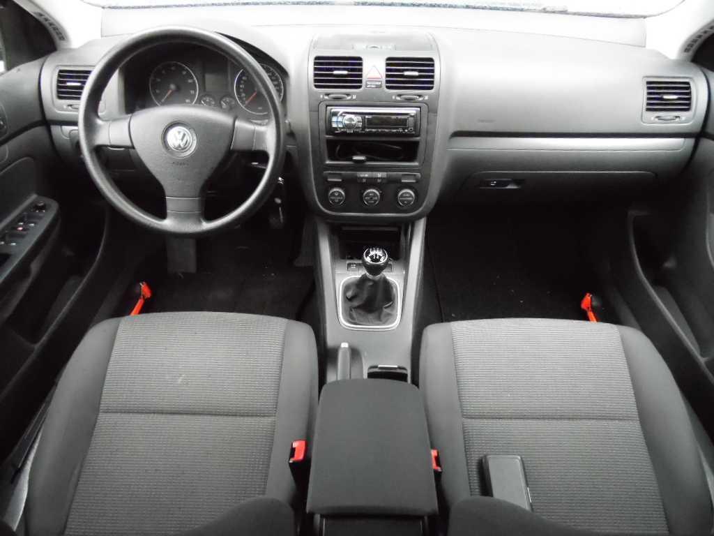 Volkswagen Golf 1.6 75KW VARIANT Trendline Business