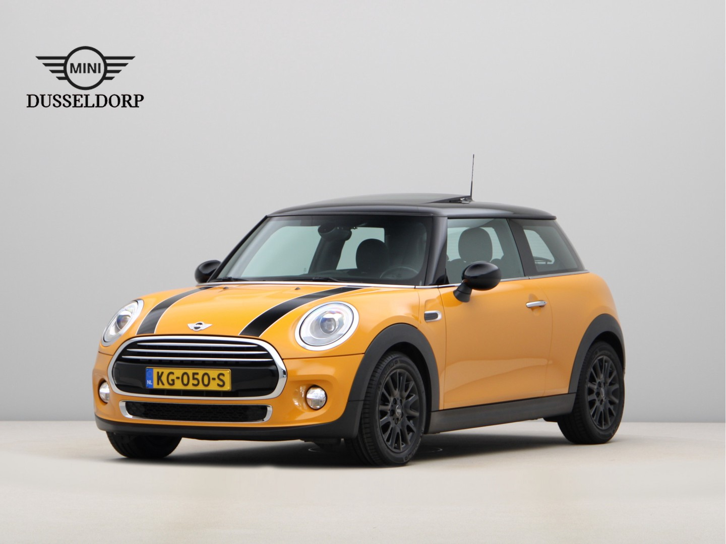 Mini 3-deurs Cooper chili serious business wired aut.