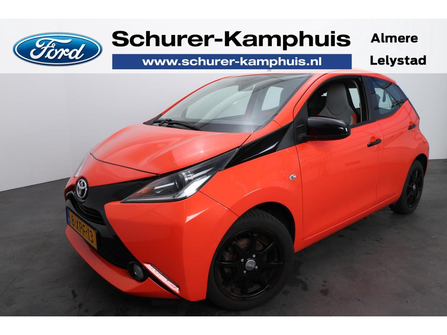 Toyota Aygo 1.0 vvt-i x-cite navigatie camera apple carplay/android auto lichtmetaal