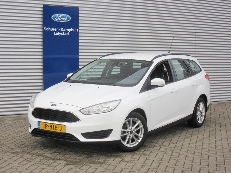 Ford Focus 1.5 tdci lease edition navigatie / cruise / lichtm etalen velgen
