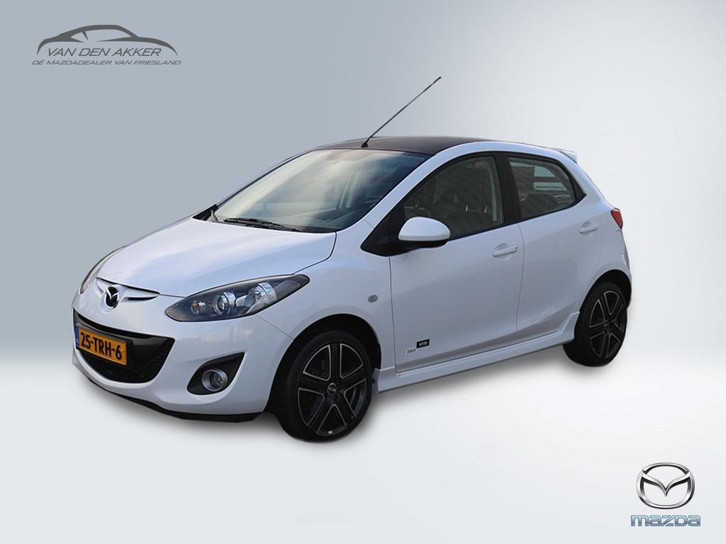 Mazda 2 1.3 black & white