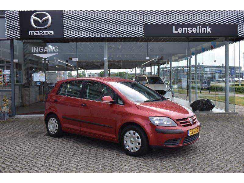 Volkswagen Golf plus 1.6 turijn airco / trekhaak / radio-cd / zeer nette auto / meeneemprijs