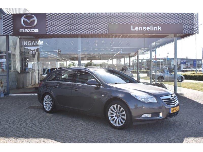 Opel Insignia 1.8 140pk sports tourer business / trekhaak / pdc v+a / navi / ecc / cruise control