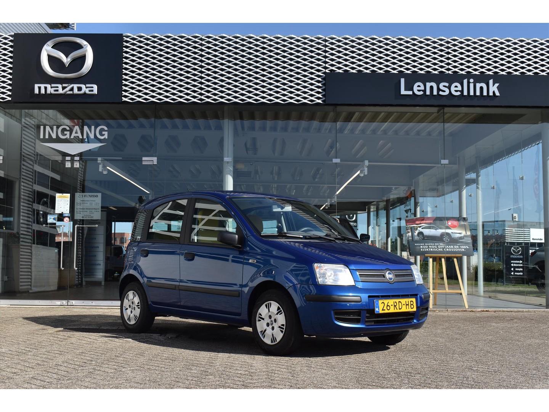 Fiat Panda 1.2 dynamic 60pk / nl auto / trekhaak / aux / elektrische ramen / meeneemprijs!