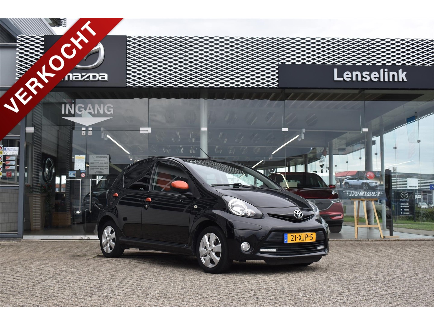 "Toyota Aygo 1.0 vvt-i dynamic orange / 5drs / airco / bluetooth / 14"" lmv / radio-cd / elek. ramen"