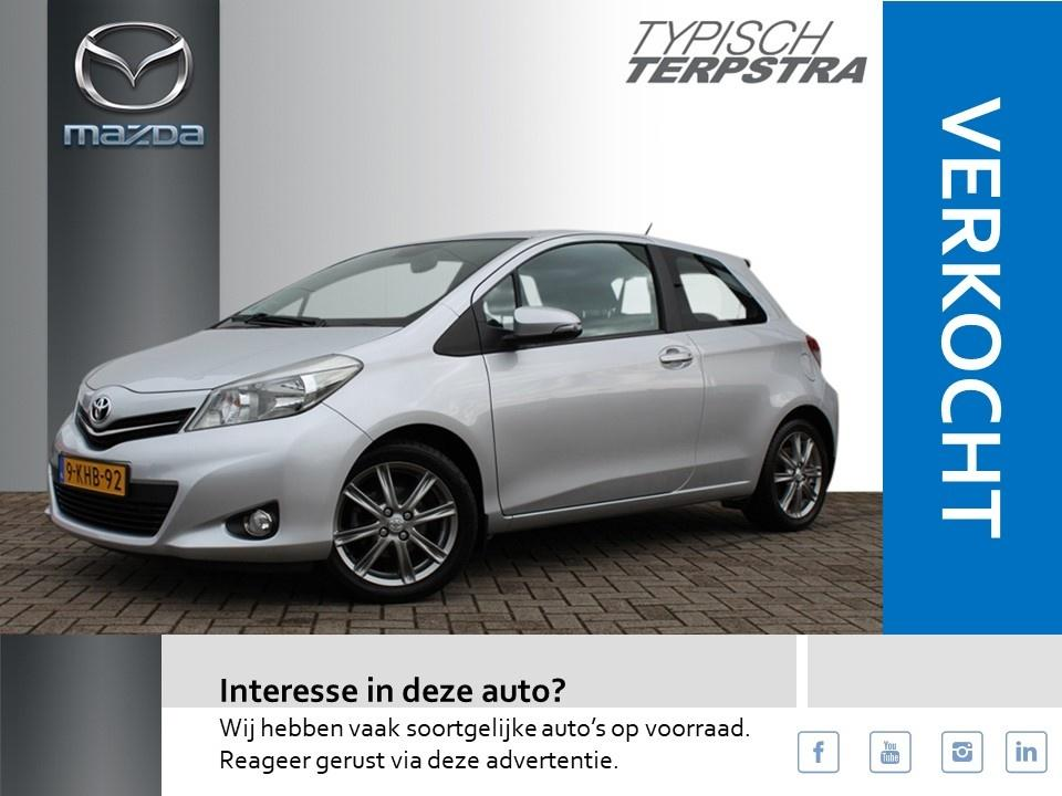 Toyota Yaris 1.3 vvt-i dynamic/ clima/camera/key less entry