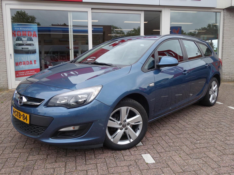 Opel Astra 1.4 turbo berlin navi trekhaak parksensor achter