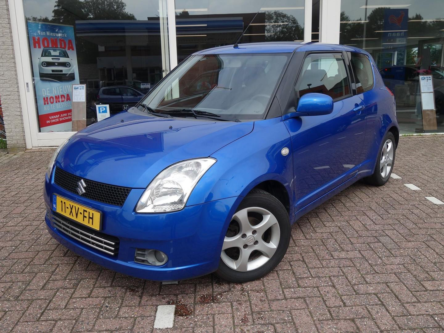 Suzuki Swift 1.3 3d exclusive