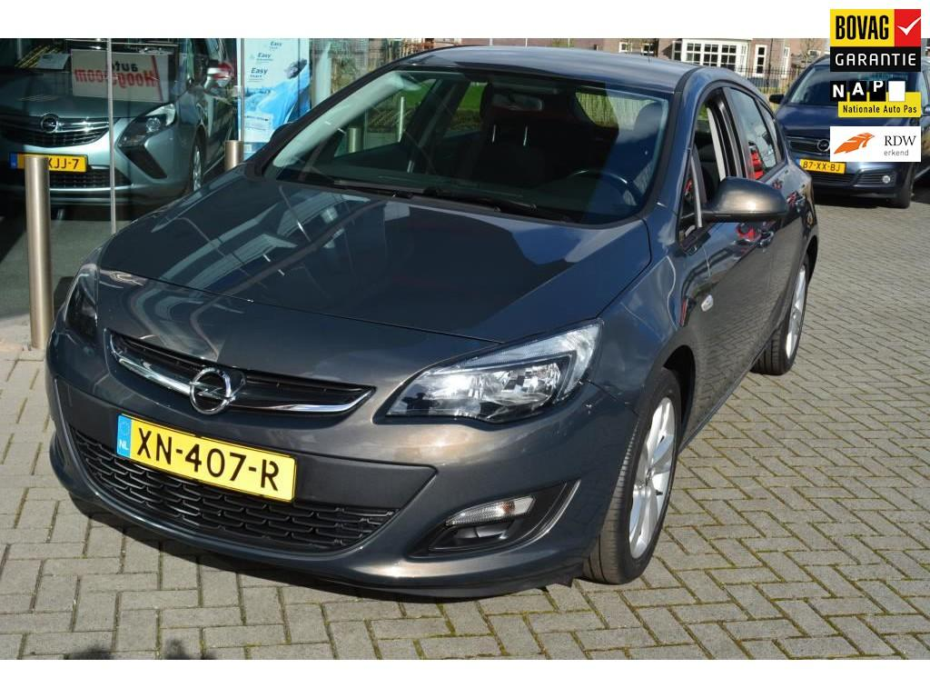 Opel Astra 1.4 design edition