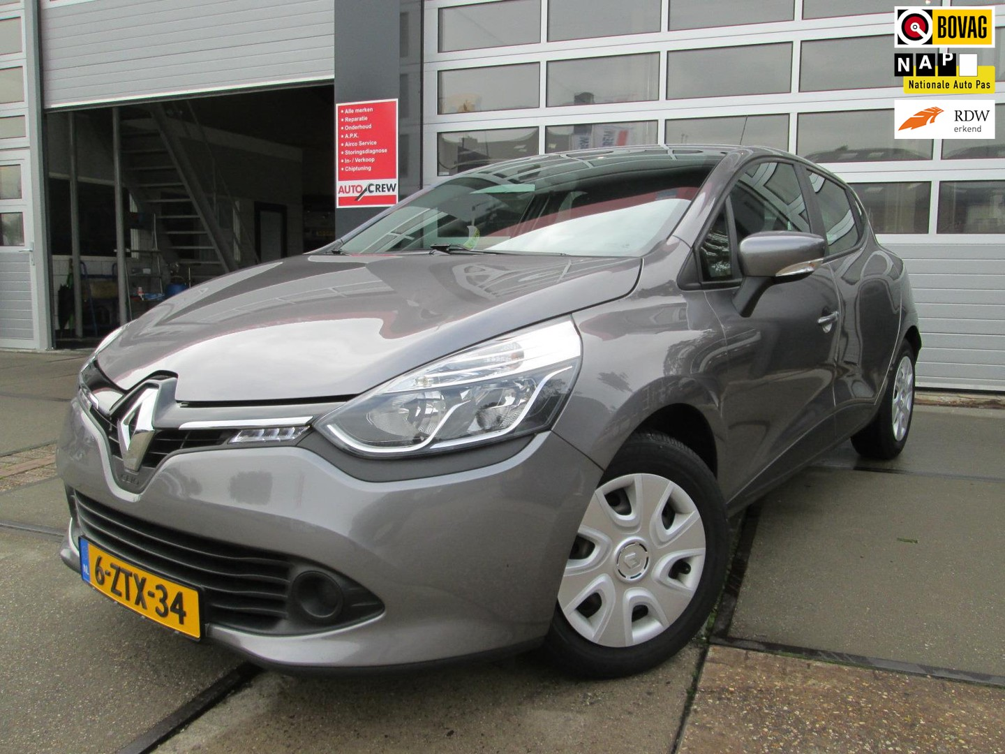 Renault Clio 0.9 tce expression / airco / navi