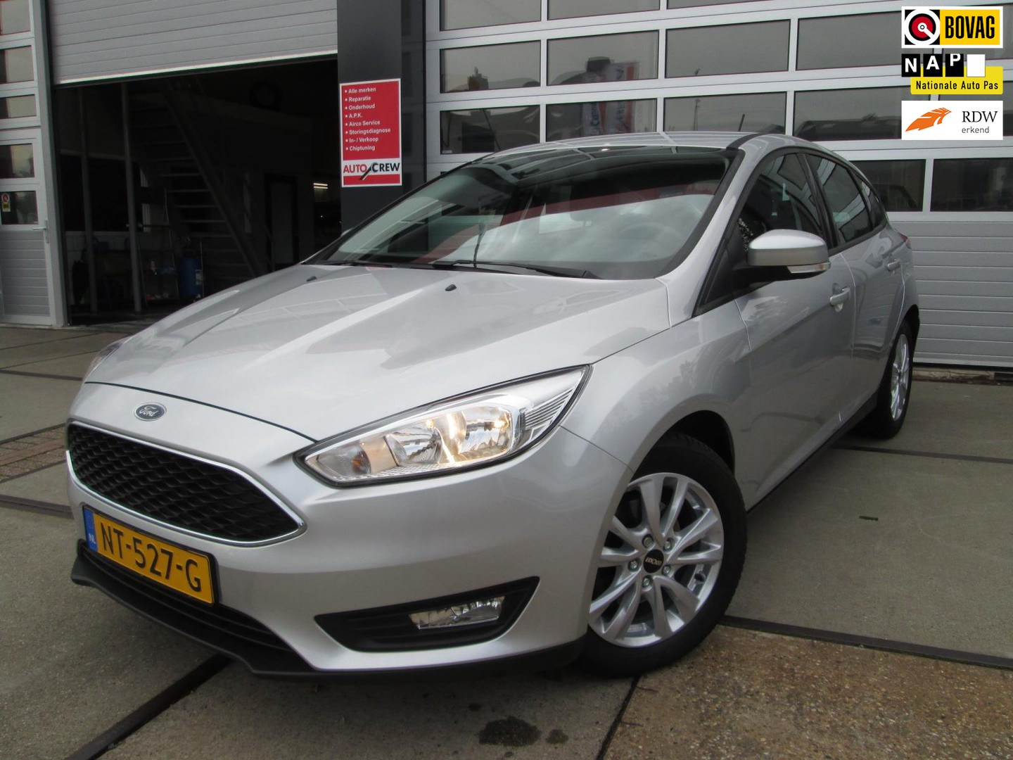 Ford Focus 1.0 lease edition / navi / pdc / 125pk