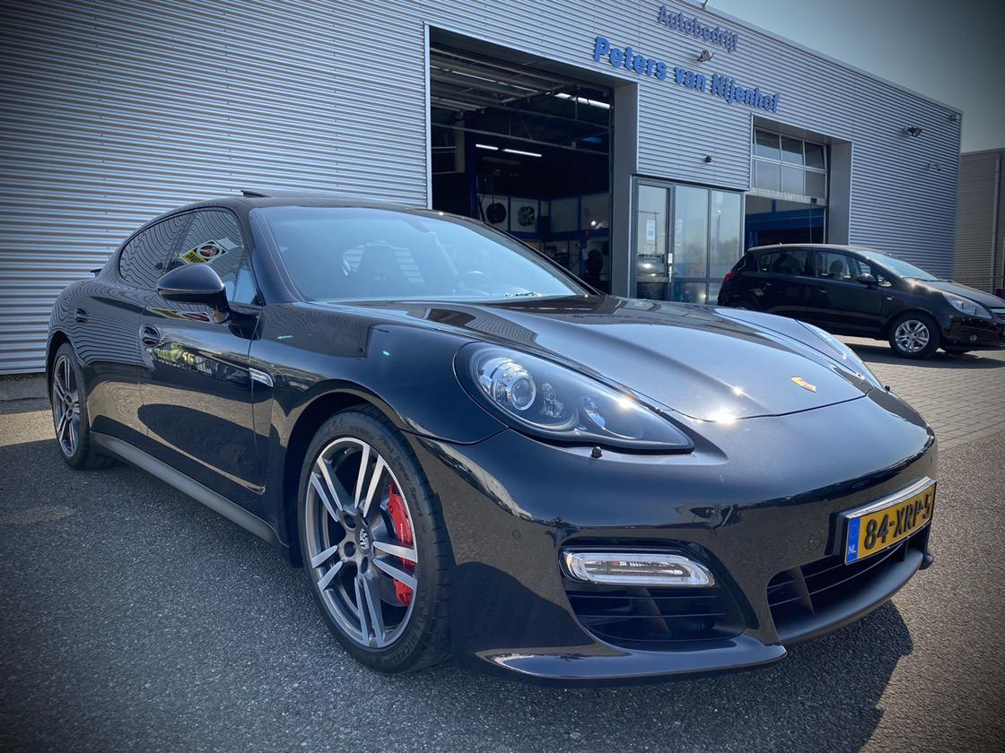 "Porsche Panamera 4.8 gts 430pk pdk bose opendak xenon 20"" orig.nl luchtvering 93dkm"