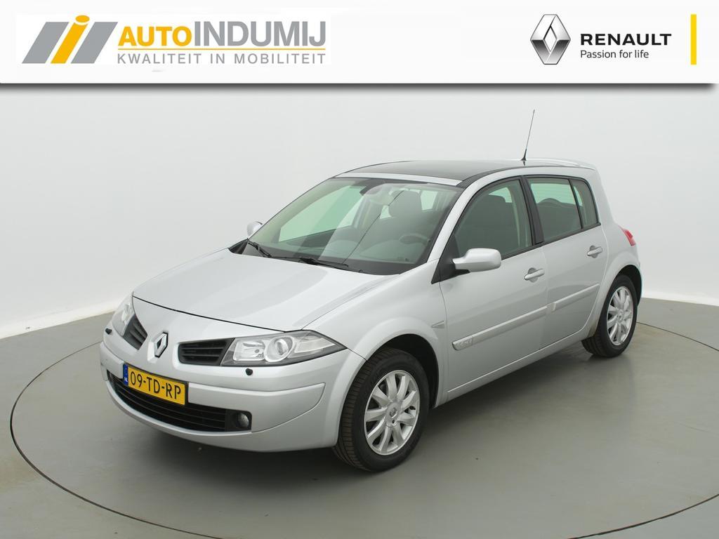 Renault Mégane 1.6-16v tech line / parkeersensoren / airco / panoramadak