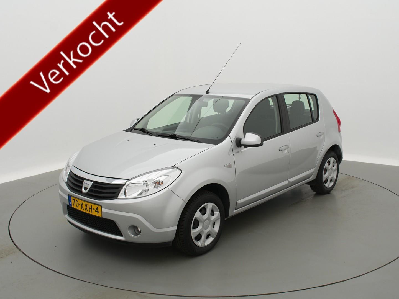 Dacia Sandero 1.2 lauréate exclusive met trekhaak / airco / elektrische ramen voor / radio/cd