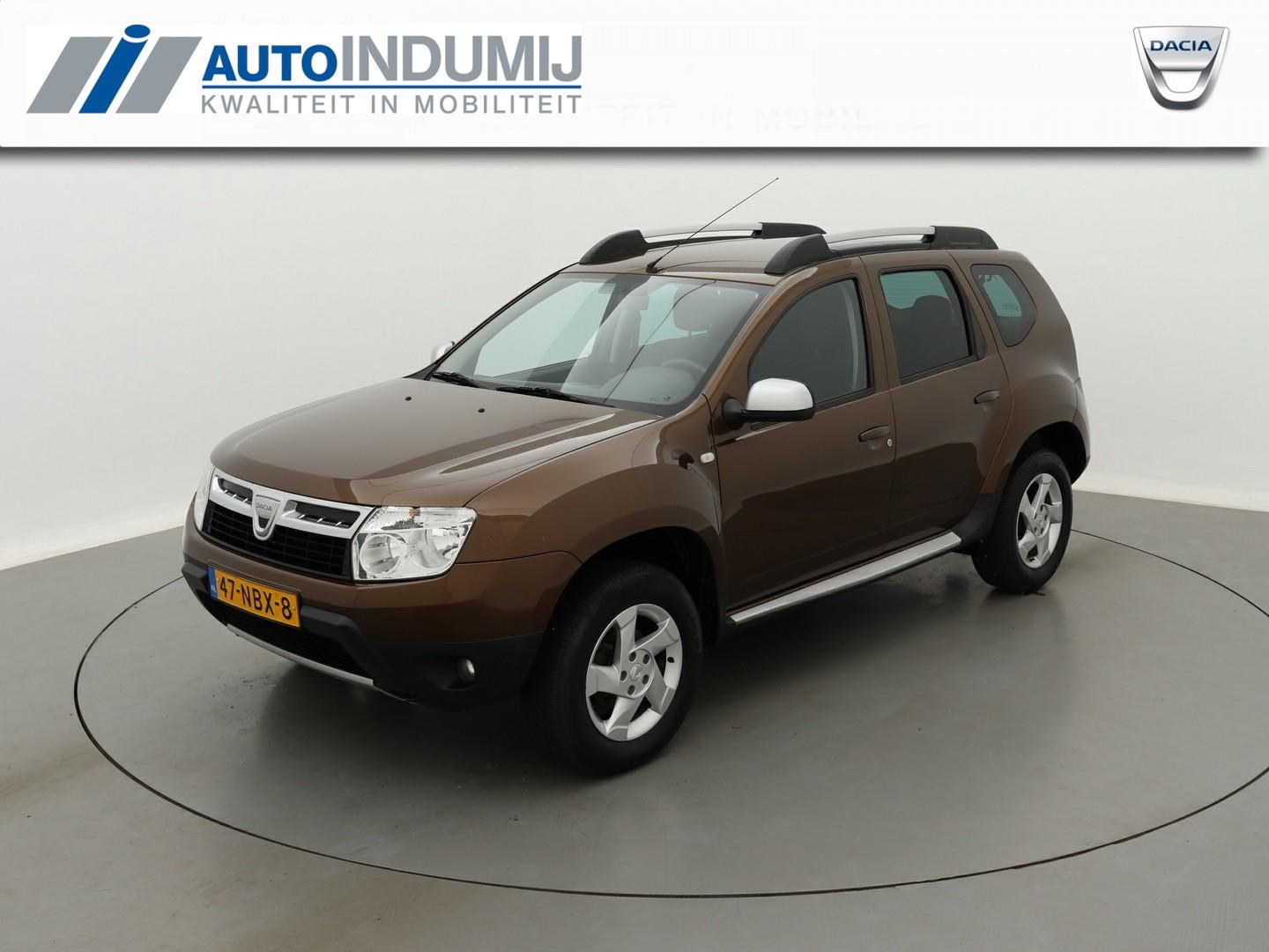 Dacia Duster 1.6 lauréate 2wd + trekhaak / pack look / airco /