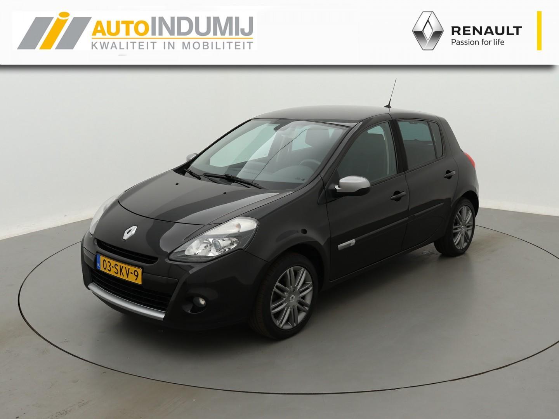 Renault Clio Tce 100 night & day / navigatie / parkeersensoren achter / stoelverwarming!