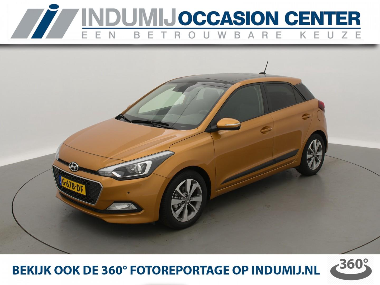 Hyundai I20 1.2 hp i-motion premium // panorama dak / parkeersensoren voor en achter / trekhaak