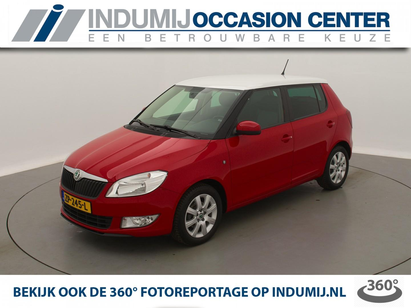 Škoda Fabia 1.2 tsi ambition businessline 5drs. // radio cd-mp3 speler / two-tone / lichtmetalen velgen