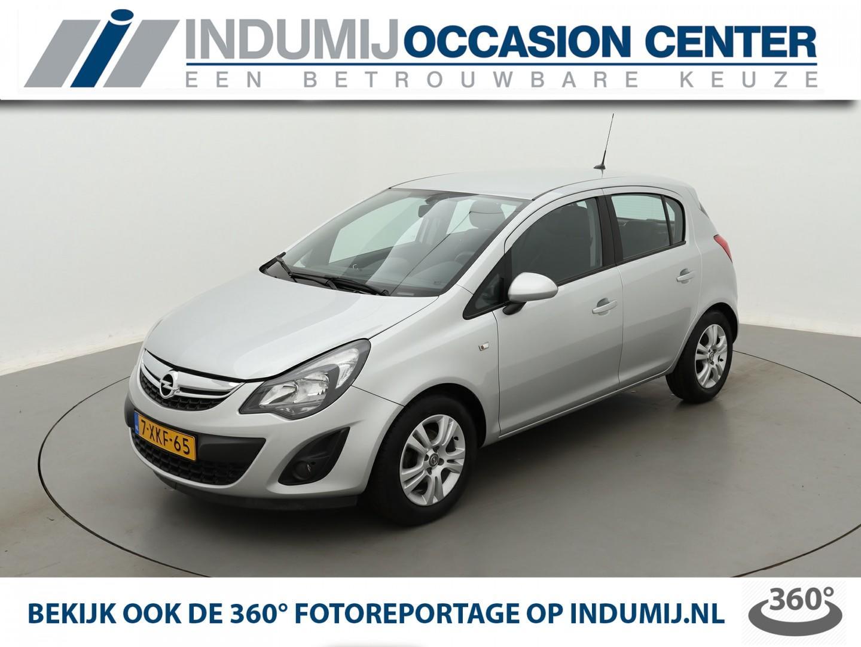 Opel Corsa 1.2-16v business+ // navi / lm velgen / climate control