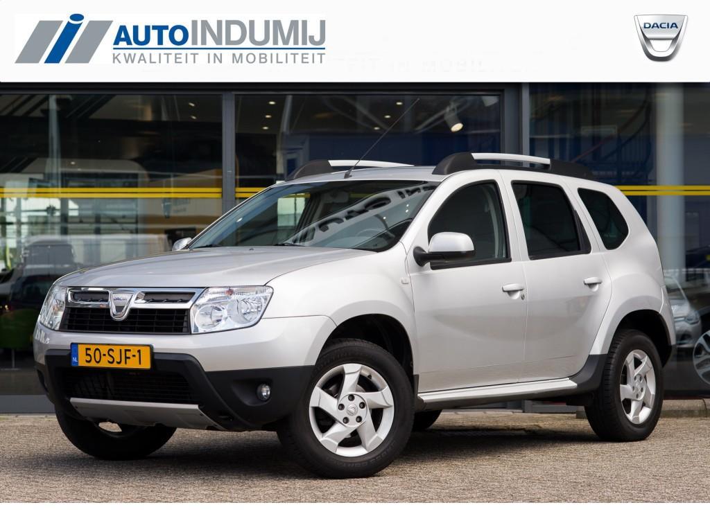 Dacia Duster 1.6 16v lauréate / lichtmetalen velgen / airco / cruise controle / tomtom navigatie