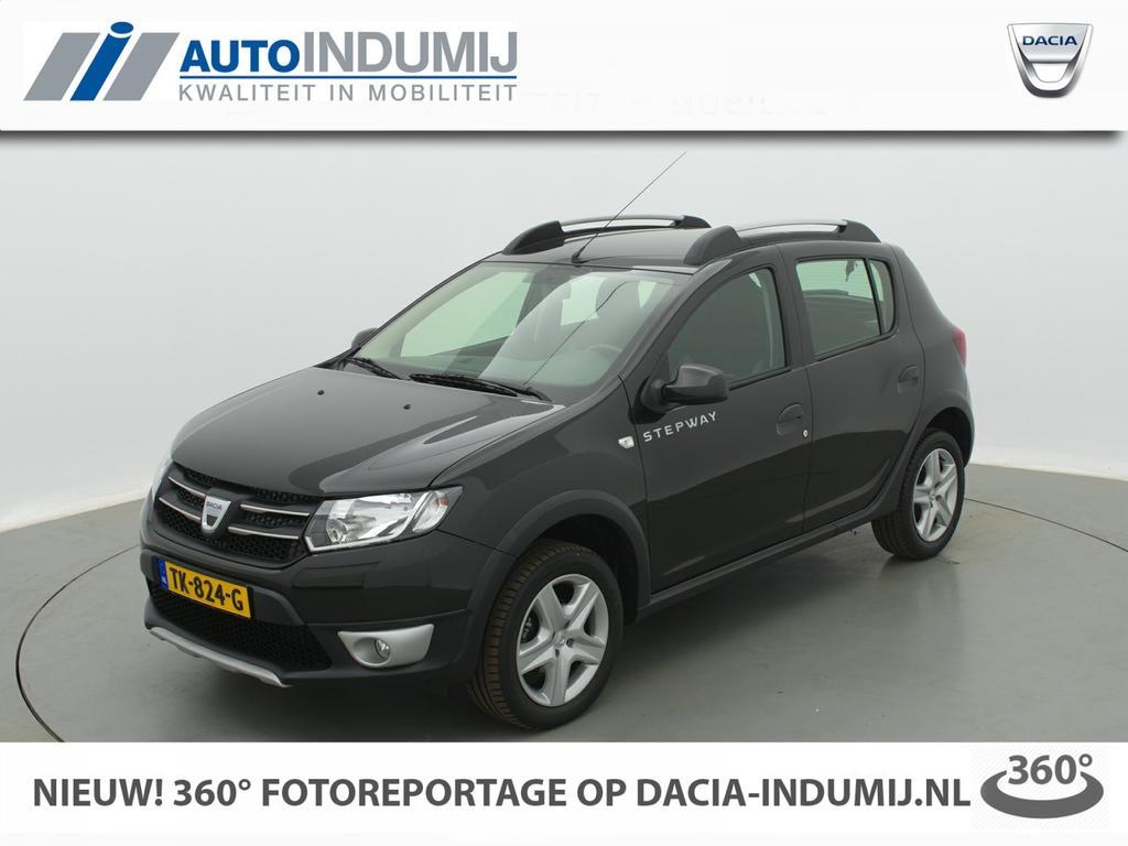 Dacia Sandero Tce 90 stepway lauréate / navigatie / parkeersensor / airco / cruise controle