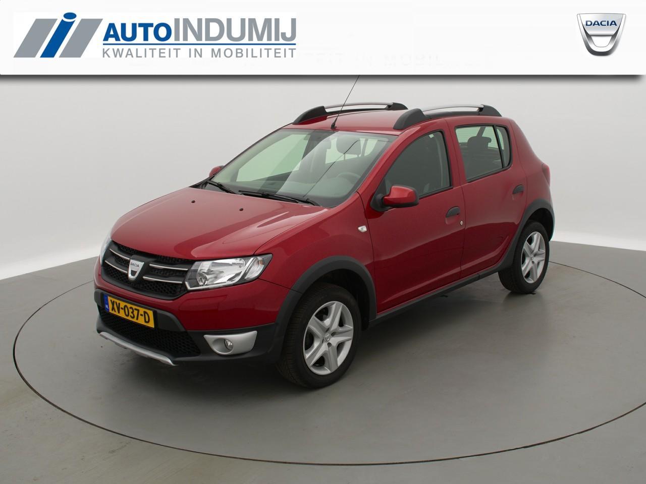 Dacia Sandero Tce 90 stepway lauréate / navigatie / parkeersensoren / airco