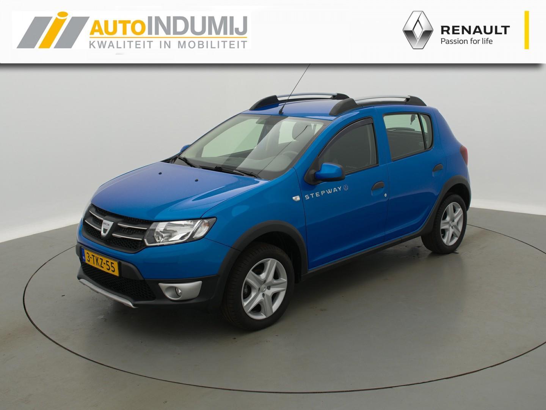 Dacia Sandero Tce 90 stepway lauréate // navigatiesysteem / trekhaak / airco / middenarmsteun / parkeersensoren / reservewiel