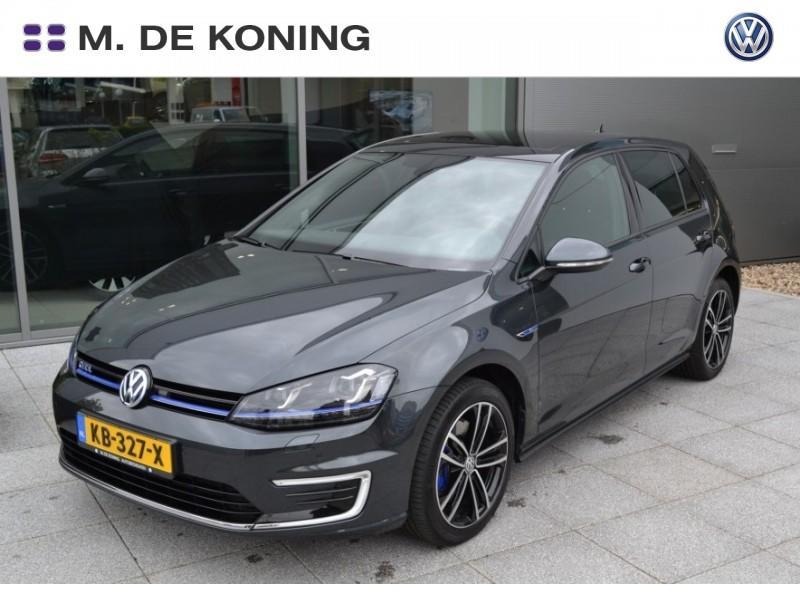 Volkswagen Golf Gte 204pk exe+ 15% bijtelling pan. dak