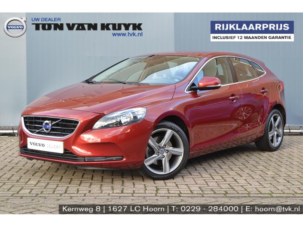 Volvo V40 1.6 t2 120pk momentum business 17inch