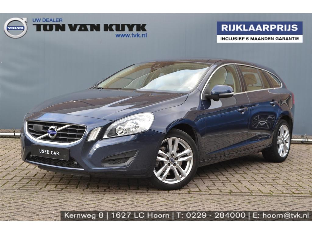 Volvo V60 2.0t 149kw momentum business driver support