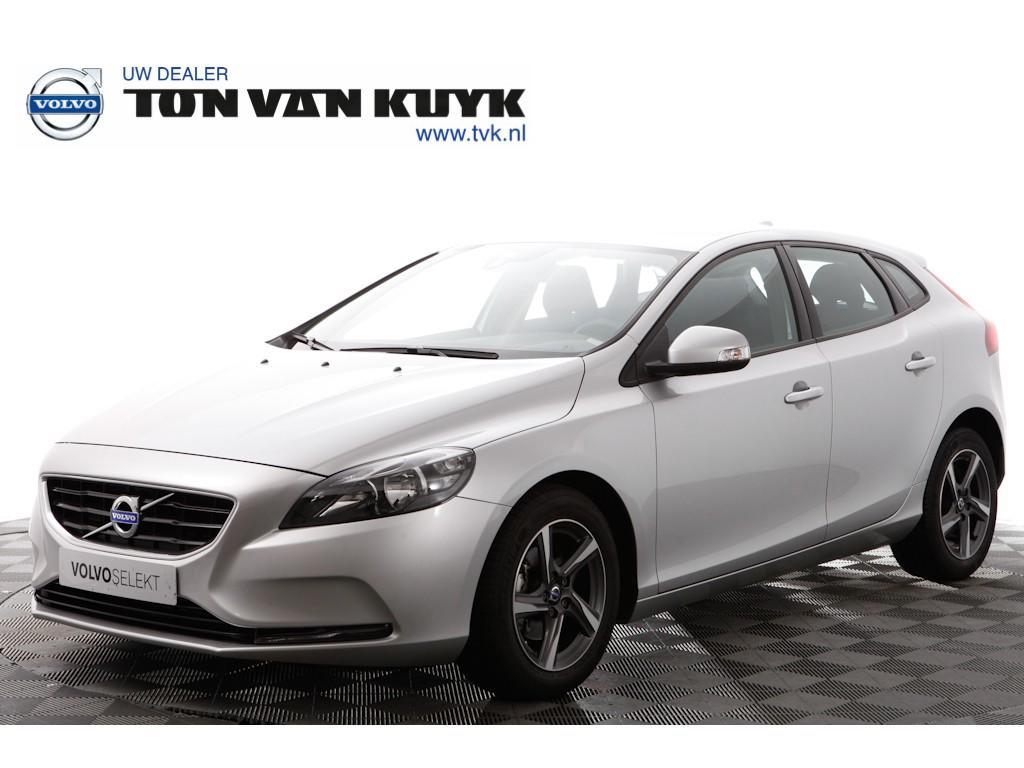 Volvo V40 D2 kinetic navigatie / pdc / tel