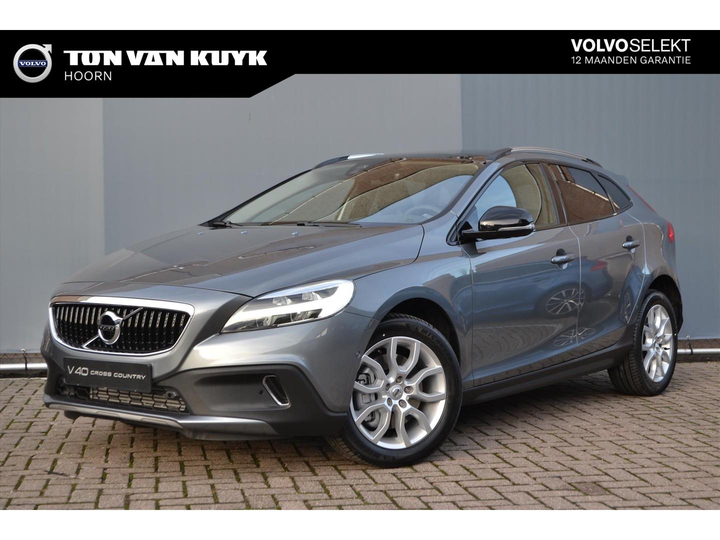 Volvo V40 cross country T3 152pk geartronic polar+ luxury intellisafe parkeerverw.