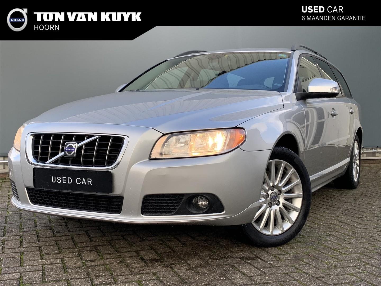Volvo V70 2.5t 200pk momentum/ navigatie/ leder/ trekhaak